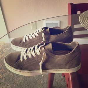 Dolce Vita Tan Suede Sneakers BRAND NEW